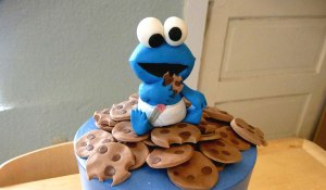 baby-cookie-monster-cake