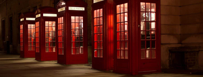 phone-booth-london-night-1440x960